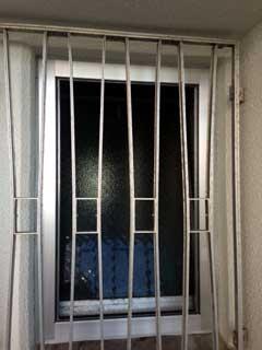 西葛西住宅の内倒し固定網戸