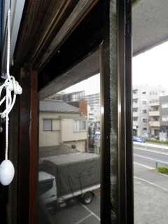 木枠窓の外付け網戸